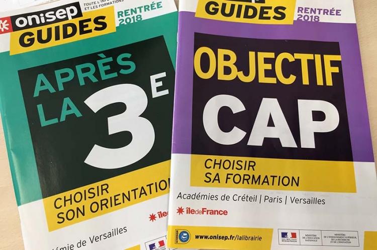 Distribution des brochures ONISEP après la 3ème