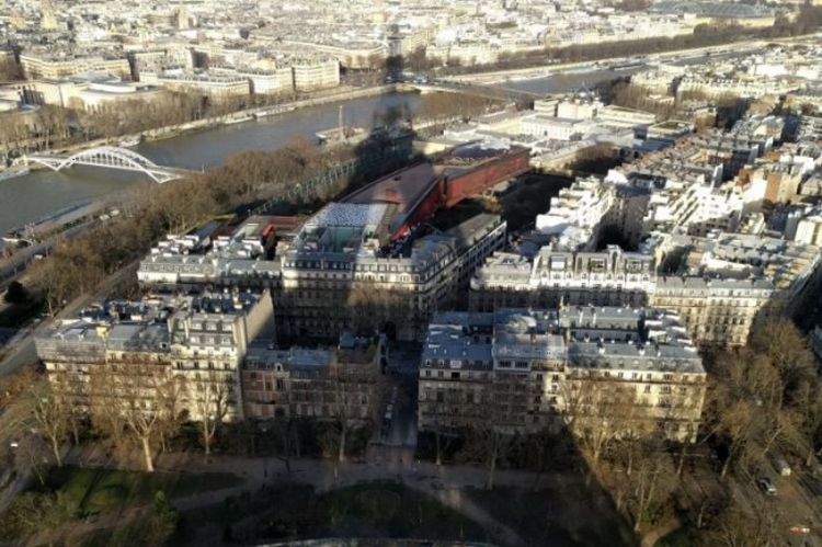 Sortie du Foyer Socio-Éducatif à la tour Eiffel le 5 décembre